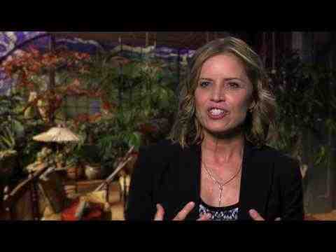 Miss Peregrine's Home for Peculiar Children - Kim Dickens interview