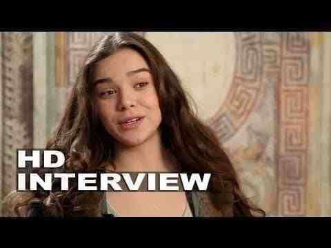 Romeo and Juliet - Hailee Steinfeld Interview