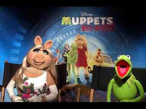 Muppets Most Wanted - Miss Piggy & Kermit the Frog Interview