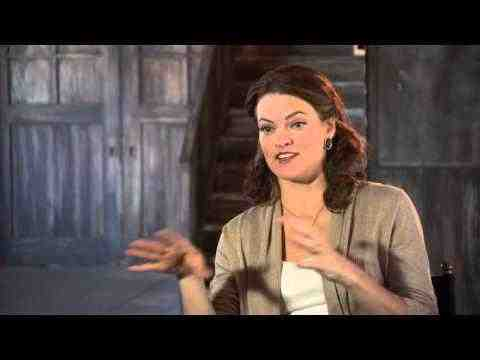 A Haunted House 2 - Missi Pyle Interview